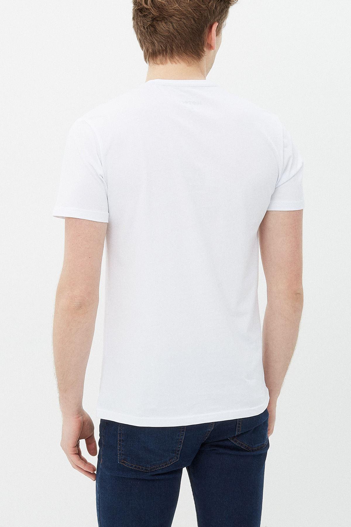 Anime Titan Beyaz Erkek Tshirt - Tişört