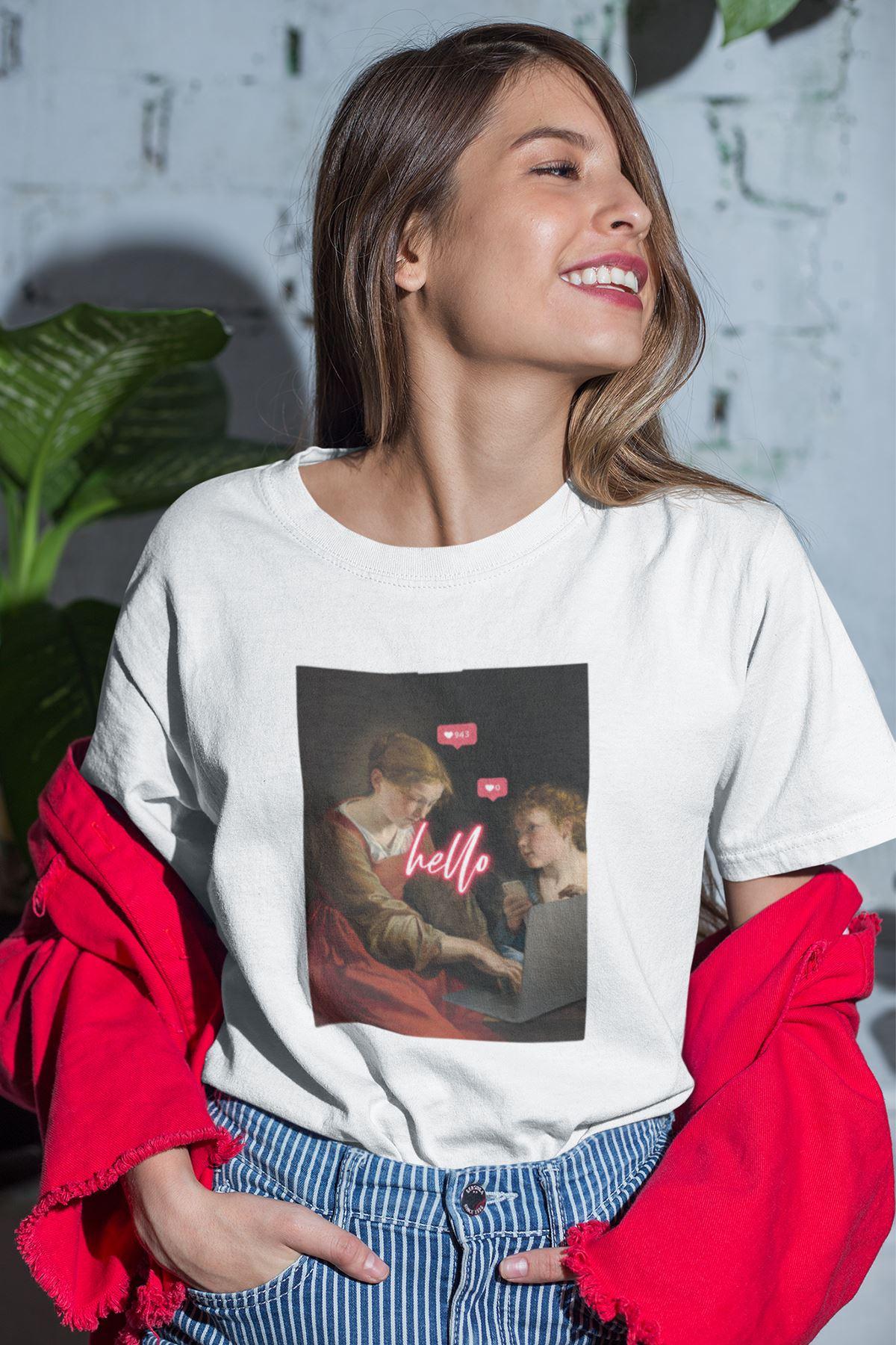 Hello Beyaz Boyfriend Kadın Tshirt - Tişört